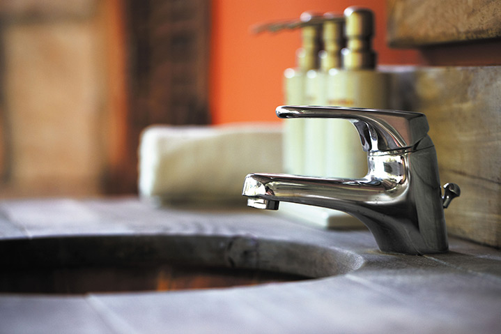 A2B Plumbers are able to fix any leaking taps you may have in Kilburn.